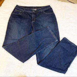 *Levi's boyfriend size 30  jeans